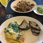 JUMBO LUMP CRAB OMELETTE, Mimosa, & GREENS & GRAINS Salad