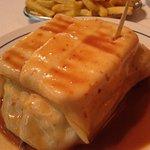 francesinha com bife s/camarão