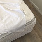 Flat sheets only - good if you like to wake up on raw mattress.