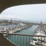 Une tres belle vue ,chambre vue sur le port et La mer ,côté port 👍👍👍