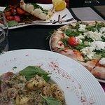 Seiche à la plancha et ses légumes grillés, Gnocchi aux morilles et aux truffes Pizza mozza \ ro