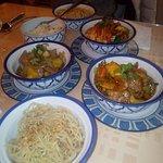 canard ananas, boeuf saté, crevettes curry