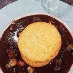 Tournedos aux cèpes sous 2 galettes de pommes de terre, foie gras poelé