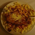 """KISTÁNYÉRRA rakott vacsora főétel, kagylótésztás """"milánói borda""""."""