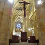 Detrás del altar mayor