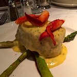 Filet with Bearnaise sauce, crab meat, and asparagus