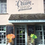 Photo de The Old Cream Shop & Tea Garden