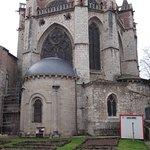 Vue des absides et les jardins