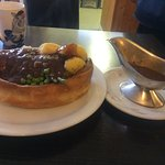 ROAST BOAT full roast dinner in a giant Yorkshire pudding 🍴