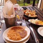 El Serrano's chicken fajitas are total perfection! You will LOVE them!!