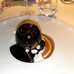 sphère de chocolat qui fond