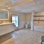 Admiral's Lookout Bathroom. Ocean View