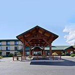 Pull up and make yourself at home at the Best Western Plus Sidney Lodge.