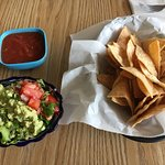 Chips and salsa with guacamole (medium size)