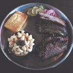 2 meat plate (brisket and ribs) with side (mac 'n cheese). Hot and delicious!