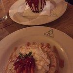 Creme brulee w strawberry drip