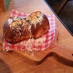 'Ultimate' garlic bread