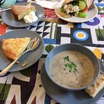 soupe brocolis sandwich feta et extraits de gateaux