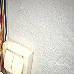 L'interrupteur ne fonctionnait oas coller ! Heureusement qu'il y a la torche dans l'IPhOnE !!!