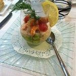 Verrine de la mer sauce cocktail (Thon, Avocat, Crevettes, Tomates)