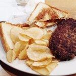 hamburger steak, Murray's Neighborhood Grill, Cayce, SC, March 2017