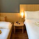 UH DSC. Cama casal + cama adicional para criança de até 12 anos.