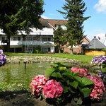 Gartenansicht des Hotels