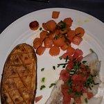 Filet de dorade royale, sauce échalotes vin blanc, carottes glacées