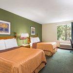 Imagen de Travelodge Inn & Suites San Antonio Near Fort Sam