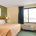 Foto de Travelodge Inn & Suites San Antonio Near Fort Sam