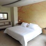 Junior suite, grandes, cómodas y lo mejor su zona húmeda interna