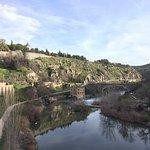 Photo de San Martin Bridge