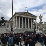 Photo de Parliament Building