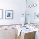 Villa Lanai Bathroom