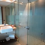 Large Bathroom - Separate Shower