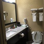 Photo de Days Inn & Suites Davenport East