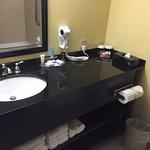 Photo de Crowne Plaza Suites Houston - Near Sugar Land