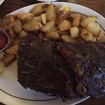 Ribs with steak potatoes