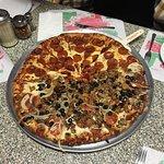 صورة فوتوغرافية لـ Doria's Haus of Pizza