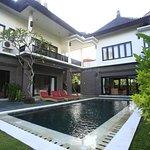 Photo de Swan Keramas Bali Villas