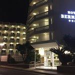 Photo de Hotel Bernat II