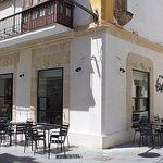 Café-bar tradicional del Puerto, inaugurado en 1941, ahora reformado.