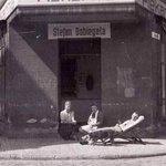 Piekarnia otwarta w 1946 r. przez Stefana Dobiegała w powojennym Słupsku(obecnie ul.Teatralna)