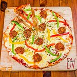 Da Vinci's has a great selection of delicious pizza's which you can go half-half on as well!