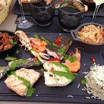 plancha de poissons et petits légumes