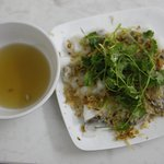 Steam rolled rice pancake with pork