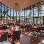 Foto de Riverside Thai Garden Restaurant