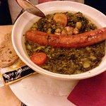 Lecker regionales Essen, Mettwurts mit Grünkohlgemüse