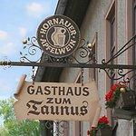 """Wir freuen uns über Ihren Besuch im Gasthaus zum Taunus - auch bekannt als """"Schäfer Jakob"""""""