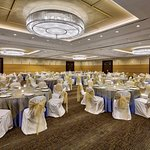 Photo de DoubleTree by Hilton Chicago - Arlington Heights